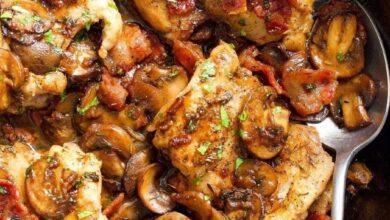 photo 2021 05 05 21 48 41 390x220 - طرز تهیه ران مرغ و قارچ سیر غذای و پیش غذابا چاشنی های لذیذ