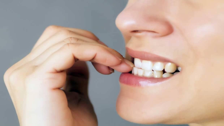 Avoid nail biting 7 - جلوگیری از ناخن جویدن بزرگسالان با ترفندهای موثر