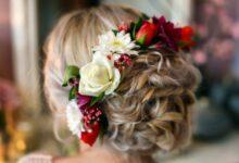 Chignon with natural flowers 14 220x150 - مدل های شینیون با گل طبیعی، پیشنهادهای عالی برای خانم های باسلیقه