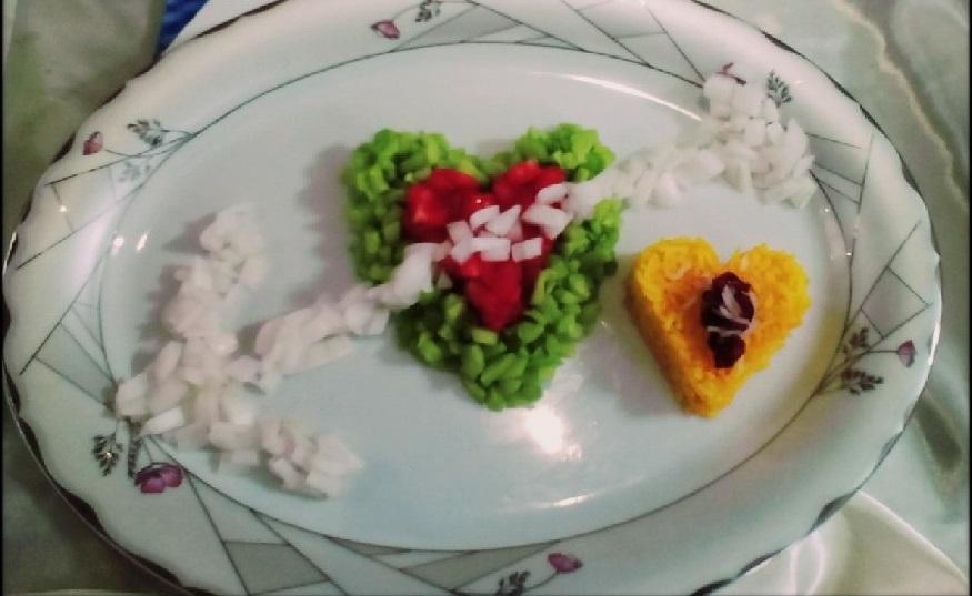 Decorate the salad in the shape of a heart 1 - تزیین سالاد به شکل قلب با خلاقیت های دوست داشتنی